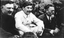 К. Е. Ворошилов, И. В. Сталин, М. И. Калинин на всесоюзном съезде колхозников. 1929 год.