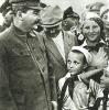 Сталин и пионеры. Аэропорт Тушино. 1936 г.