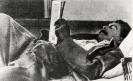 И. В. Сталин читает газету на даче
