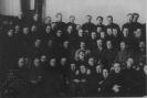 И. В. Сталин с группой партийных делегатов
