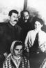 И. В. Сталин и Л. М. Каганович с делегатами_1