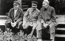 На даче Сталина: А. Енукидзе, А. М. Горький, И. В. Сталин